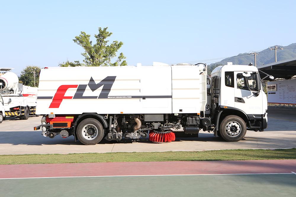 camión de lavado y barrido